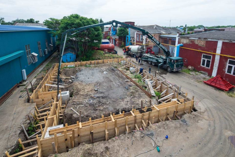 The construction of the new building under heat treatment technologies