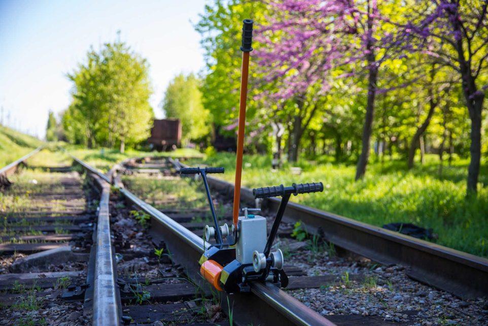 rail stretcher R-25