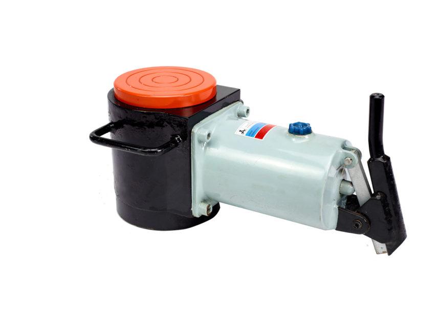 Universal hydraulic jacks DG-50