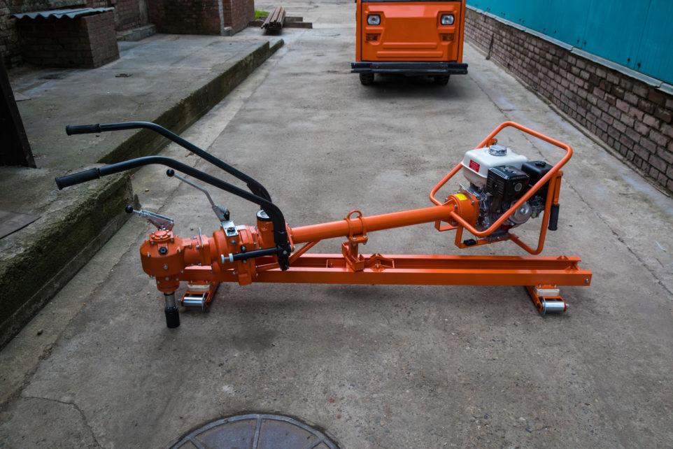 Heavy duty coachscrewing machne KPM