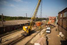 tracks crane