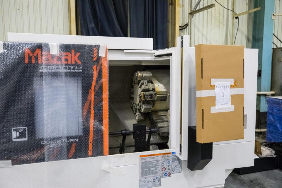 Mazak Quick Turn 200MA L with Fanuc M20-iA