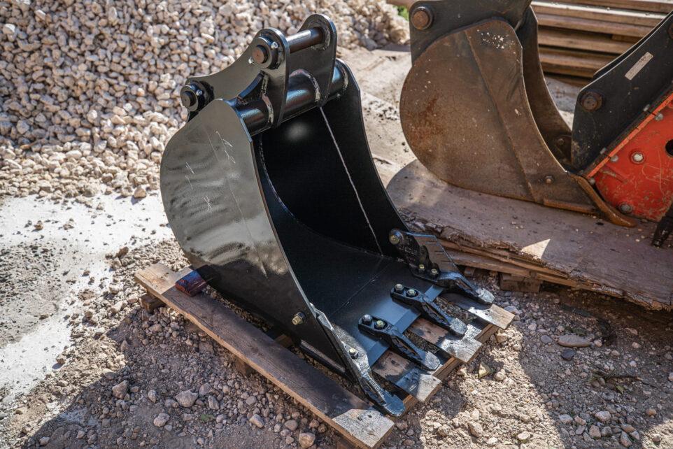 Bucket for excavators